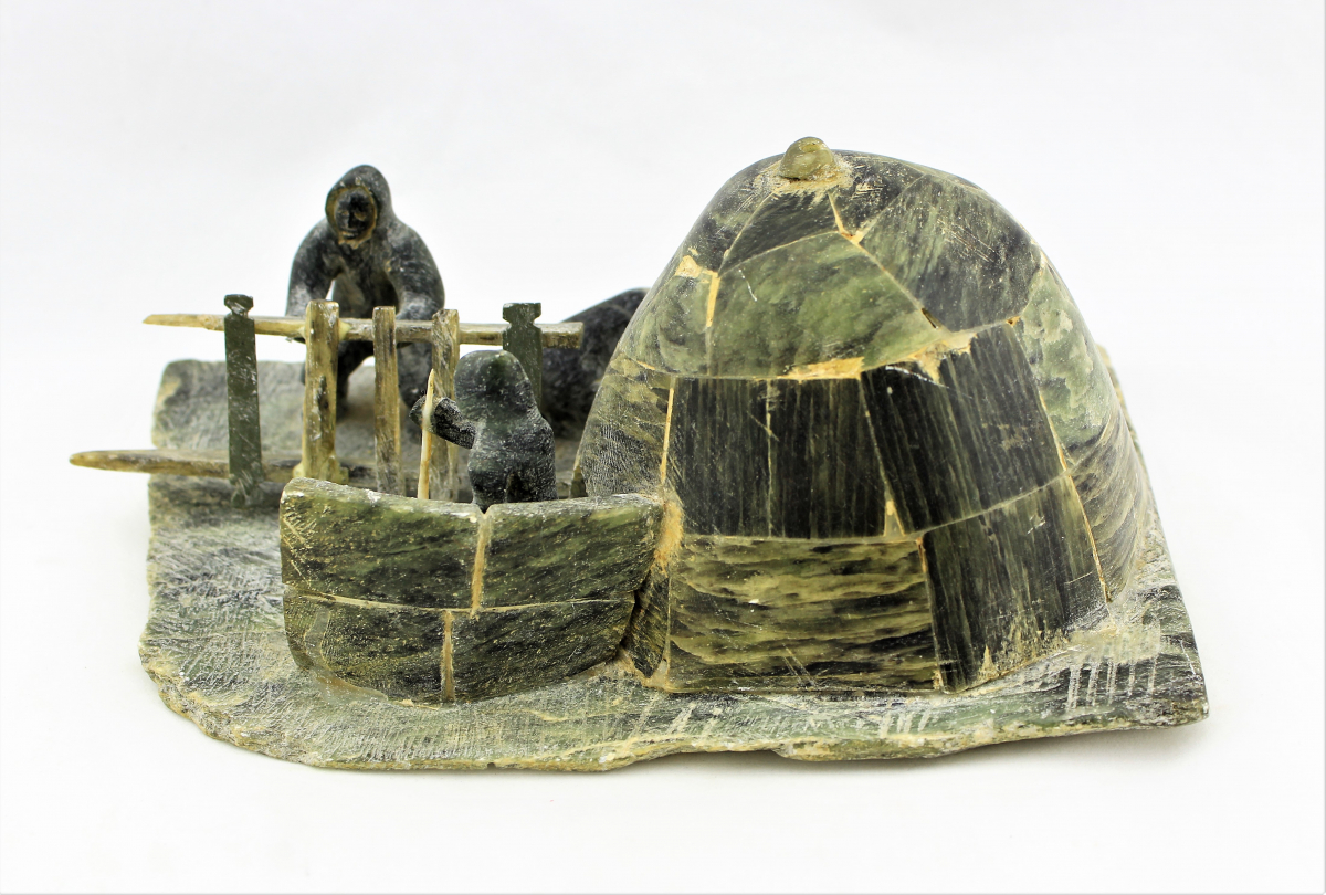 Igloo Life Diorama in Serpentine 1940s